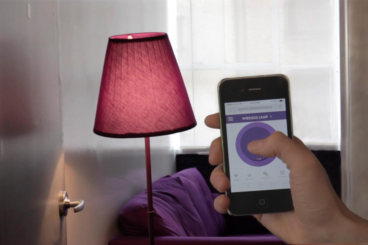 Wireless lamp.still002lr