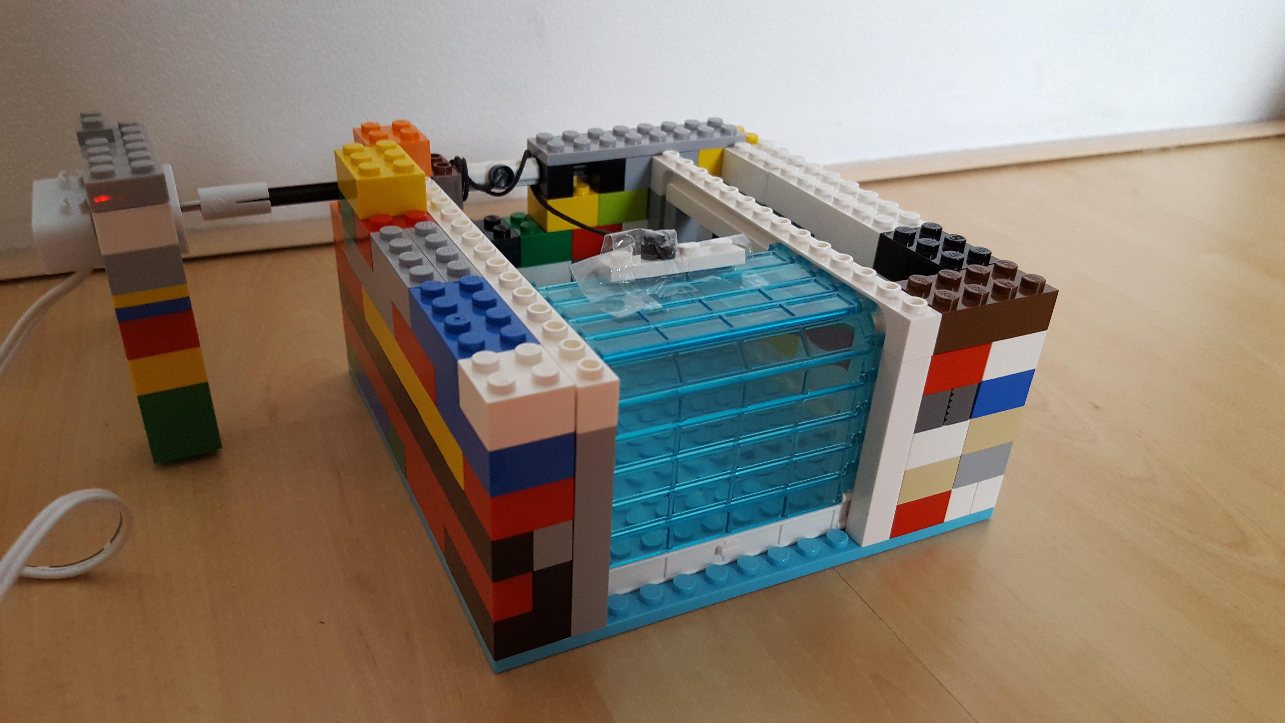 D9ce5a78 2767 49ef bc20 03aee7791048  sc 1 st  littleBits & Automatic Lego garage door: a littleBits Project by joeri