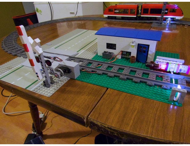 Littlebits railroad 7