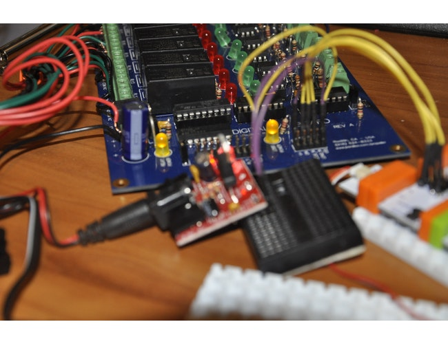 OWI Robot Arm Controlled by Arduino bit: a littleBits