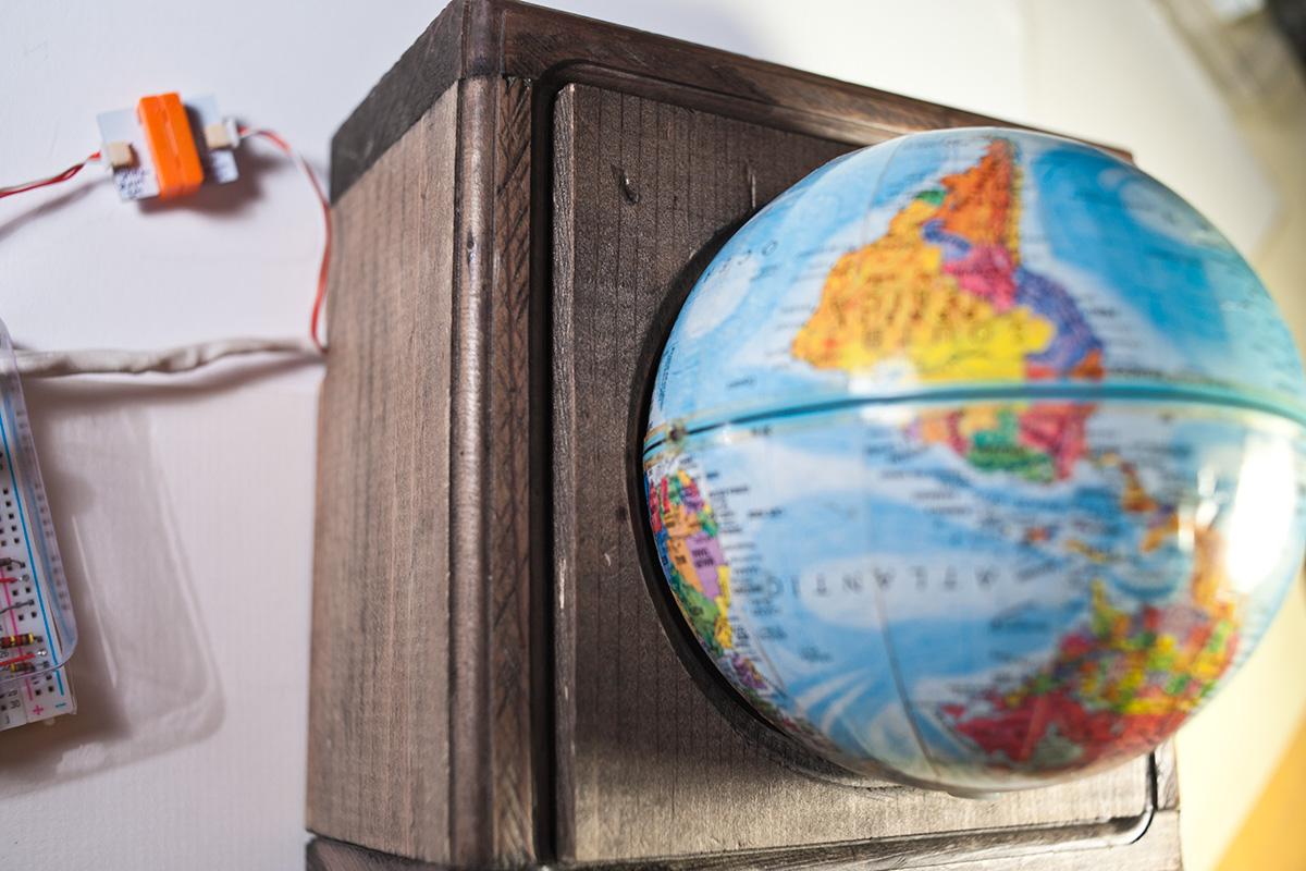Globeinplace
